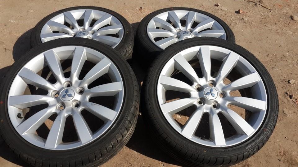 18-дюймовые шины для автомобиля Митсубиси Лансер Ralliart