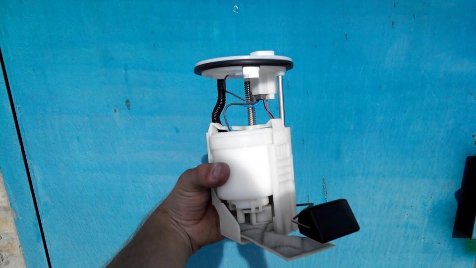 Топливный насос в сборке фильтром