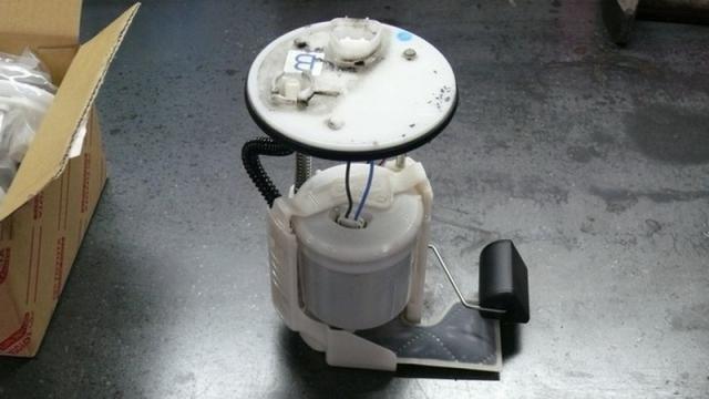 Топливный насос с фильтром