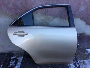 Задняя правая дверь для Toyota Camry 40