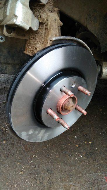 Смонтированный тормозной диск