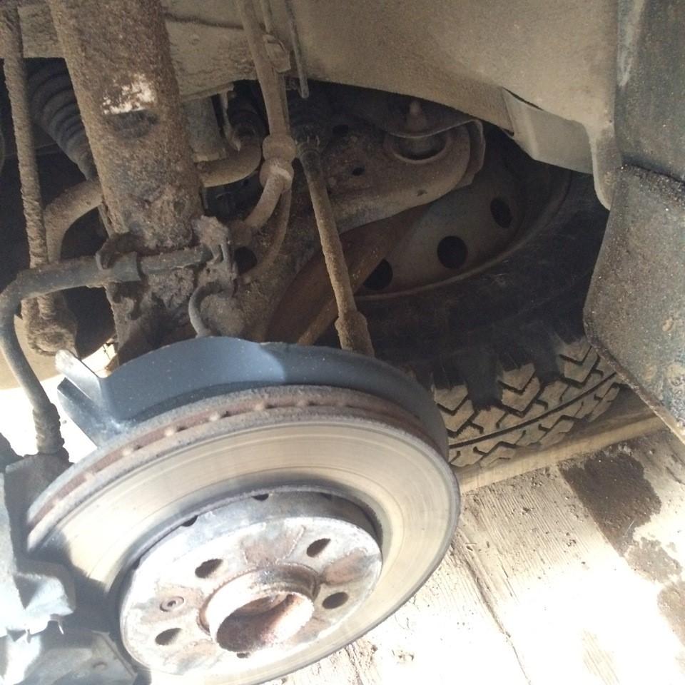 Расположение колеса, положенного в качестве подпорки