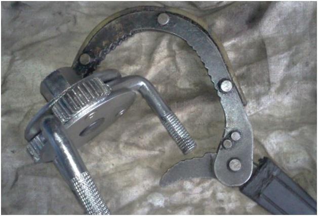 Ключ для демонтажа