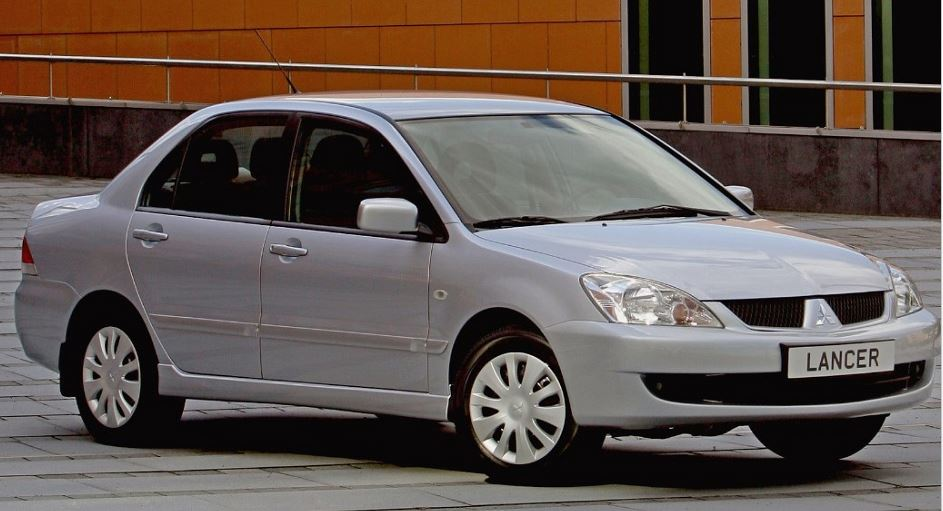 форд фокус или митсубиси лансер 9