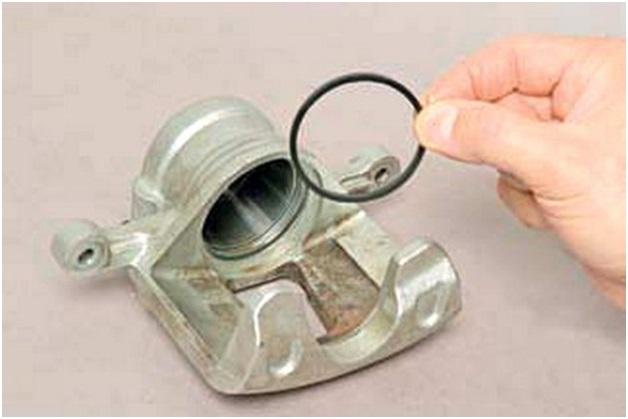 Монтаж нового уплотнительного кольца