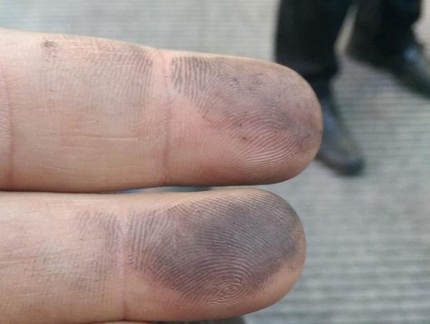 Загрязнение пальцев