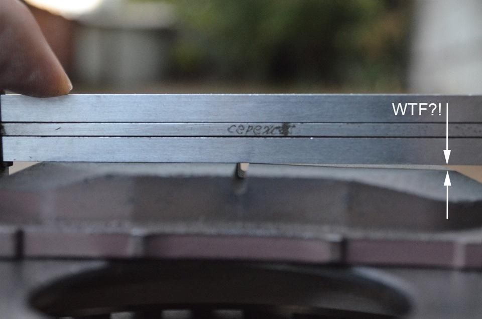 Проверка на плоскостность фрикционной накладки фальсифицированного изделия