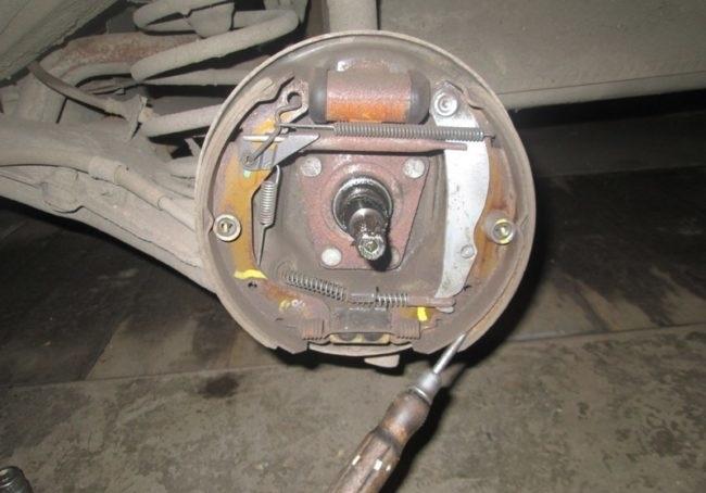 Проверка цилиндра тормозов
