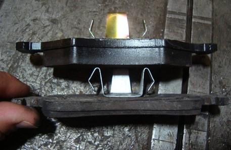 Передние тормозные колодки