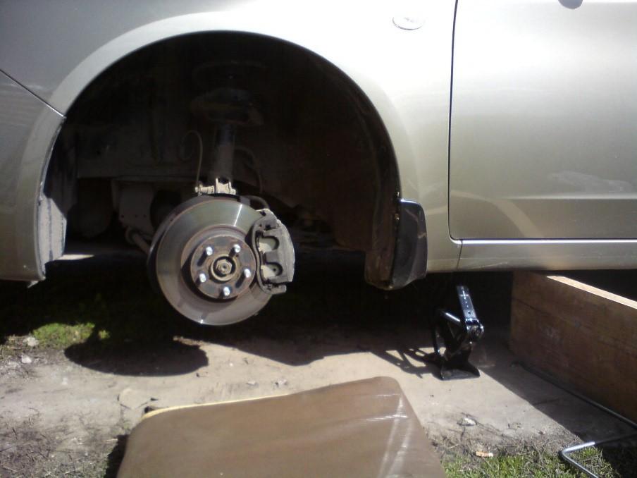 колесо полностью снимается