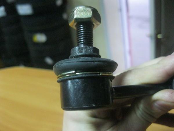 Пыльник стойки стабилизатора Febest со стопорным кольцом, изготовленным с конструктивным просчетом