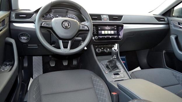 Салон авто в комплектации Active