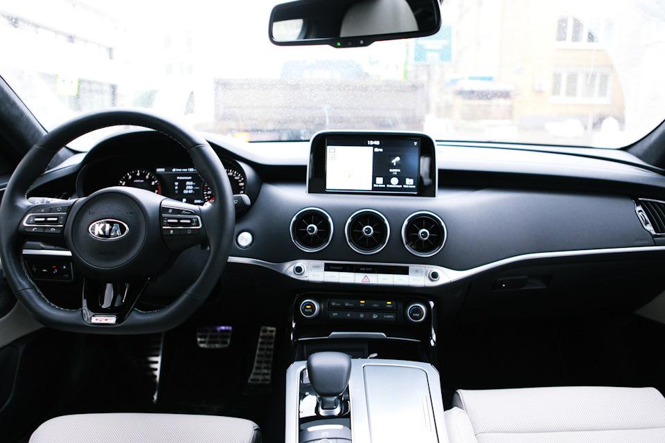 Салон автомобиля Stinger в комплектации Luxe