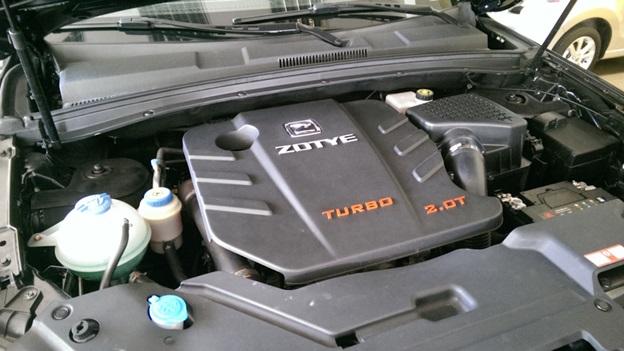Подкапотное пространство авто в комплектации 6AMT Royal