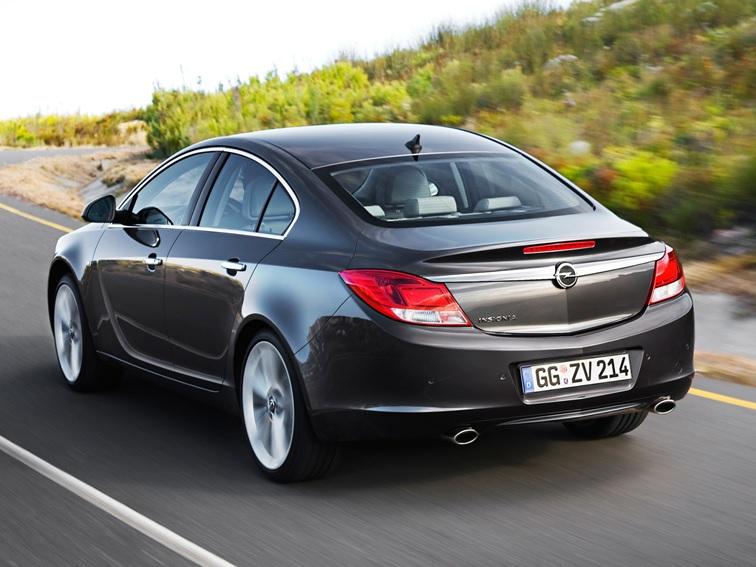 Opel Insignia: задняя полусфера