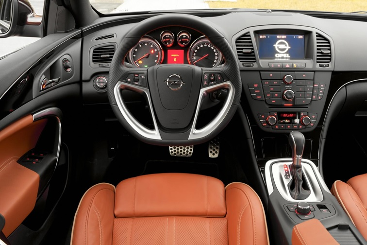 Opel Insignia: экстерьер