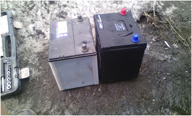 Сравнение габаритов родной и новой батареи