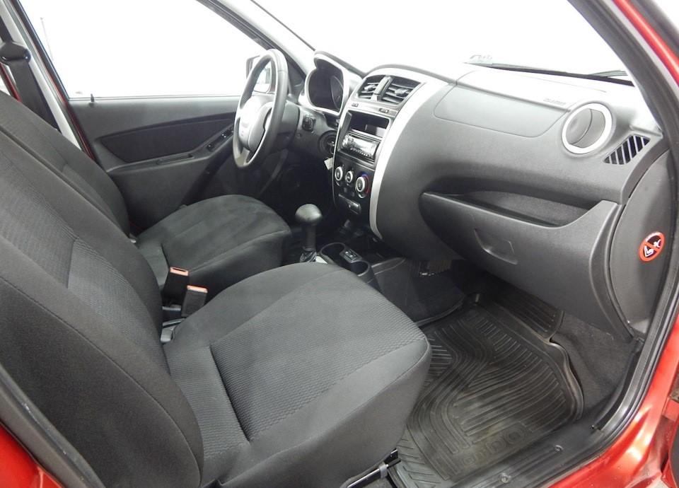 Передняя часть салона Datsun mi DO в комплектации Trust II