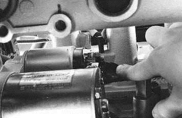 Ненадежный провод между реле и электродвигателем