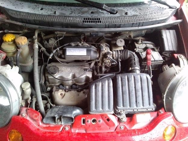Подкапотное пространство автомобиля Daewoo Matiz