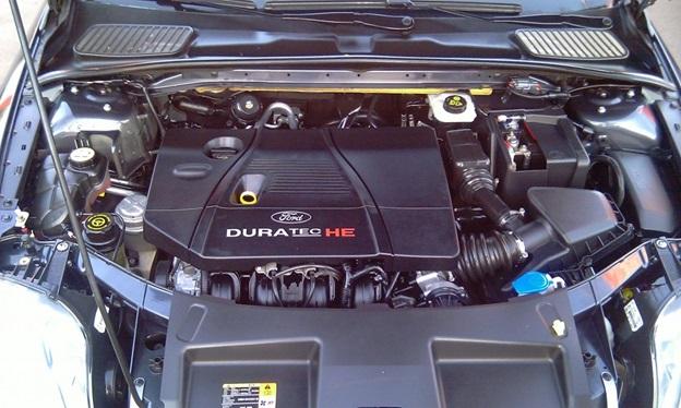 Вид на подкапотное пространство Ford Mondeo 4