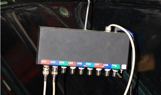Подключенный осциллограф