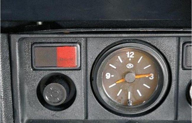 Кнопка Check в автомобиле ВАЗ 2106