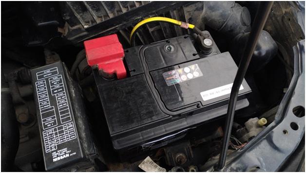 Аккумуляторная батарея, установленная на Ниссан Примера