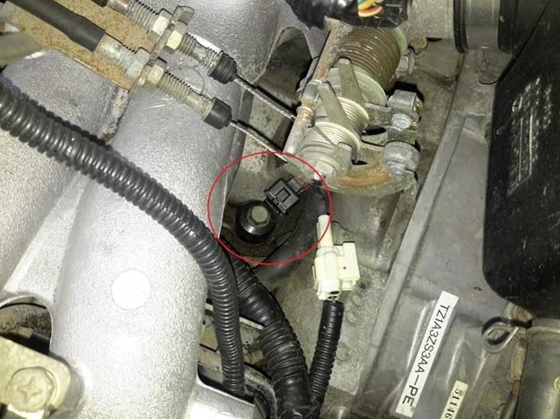 Датчик детонации установленный на Subaru Forester