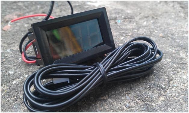 Цифровой экран, служащий для отображения данных о температуре, получаемых с датчика