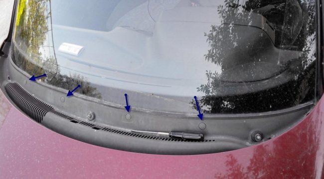 Расположение пластиковых заглушек