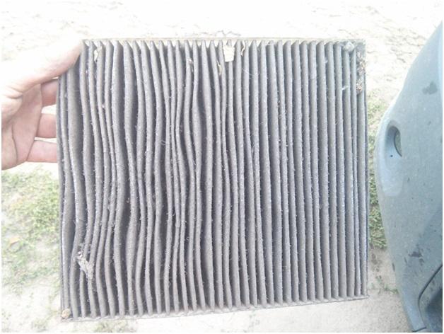 Снятый старый салонный фильтр