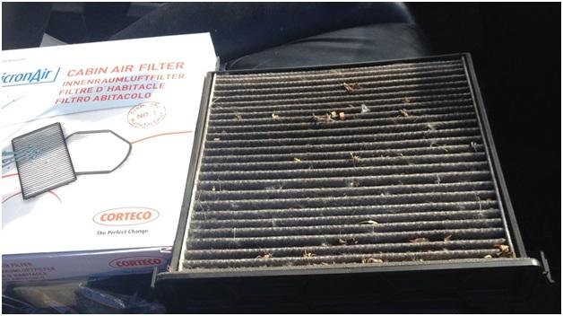 Изъятый салонный фильтр в коробе