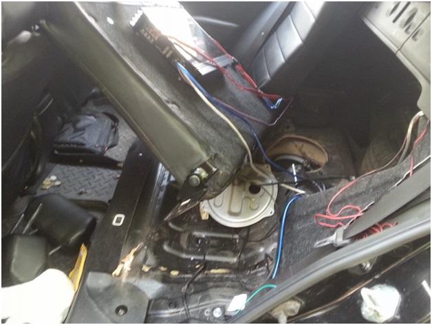 Место размещения топливного модуля с фильтрами грубой и тонкой очистки