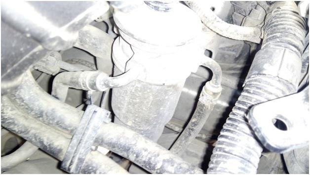 Расположение топливного фильтра на дизельной Тойота Авенсис