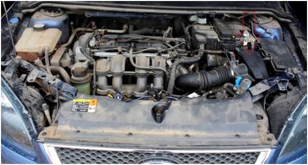 Расположение топливного фильтра на Форд Фокус 3 с дизельным силовым агрегатом