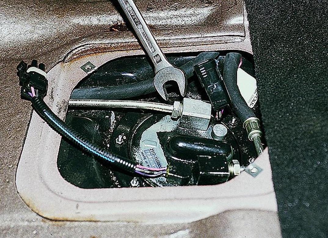 Отсоединение топливопровода