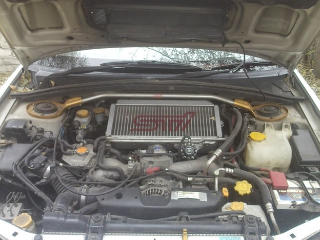 Моторный отсек Subaru Forester