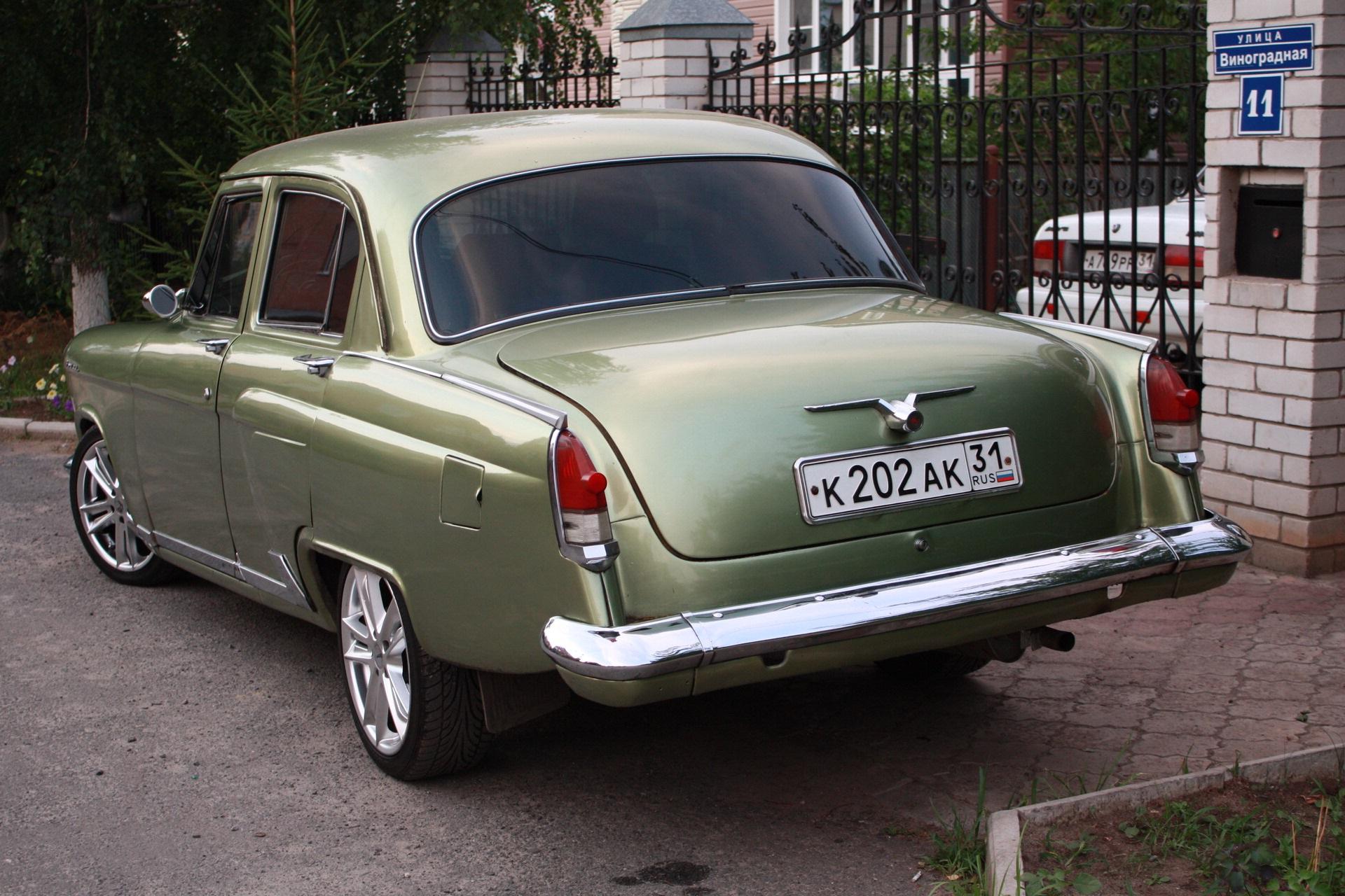 ГАЗ-21 «Волга» окрашенный в зелёный металлик