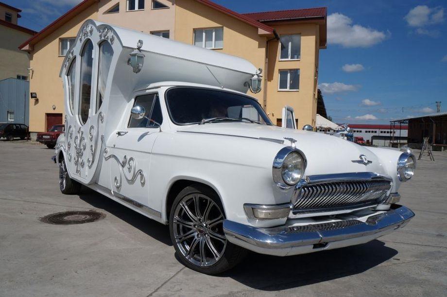 Свадебная карета, сделанная из ГАЗ-21