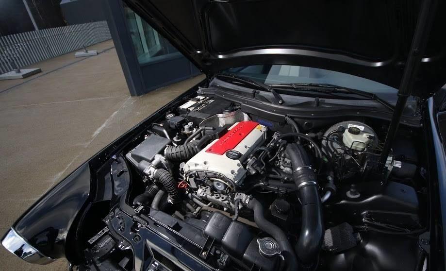 Двигатель Мерседес SLK под капотом ГАЗ-21