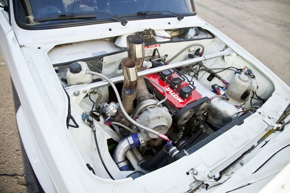 ВАЗ 2107 с затюнингованным двигателем