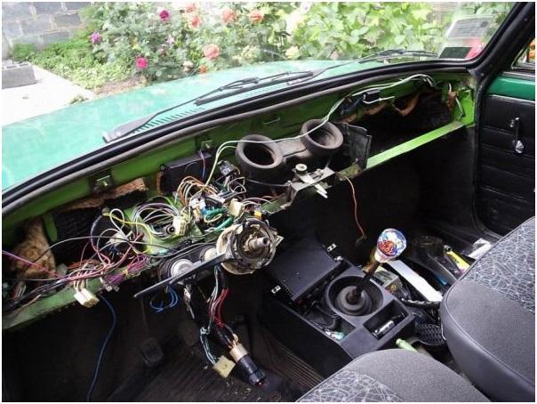 Подготовка автомобиля к установке новой приборной панели