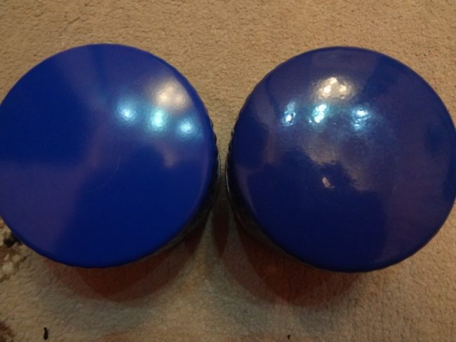 Сравнение гладкой покраски оригинала и шагрени фальсификата